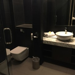 Shower Chair Malaysia Stand Test Norms Review Airlines First Class Lounge Kuala Lumpur