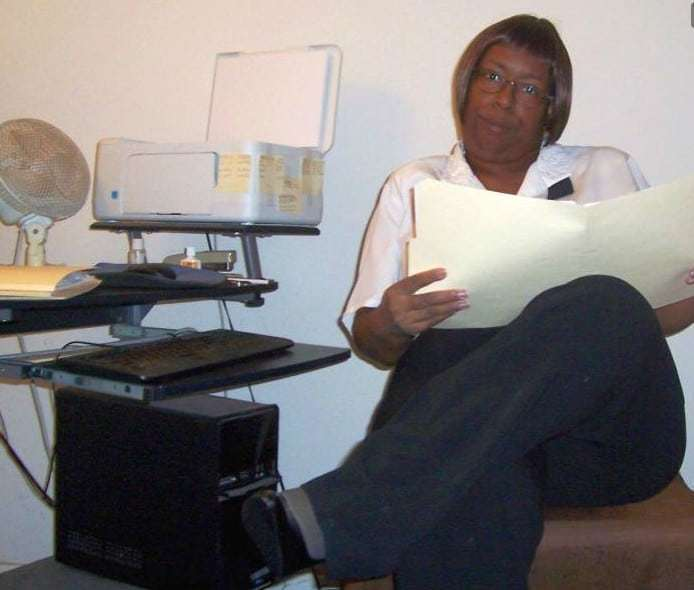 Mature Ebony Mistress On live cam chat waiting to own and control her sissies and slaves