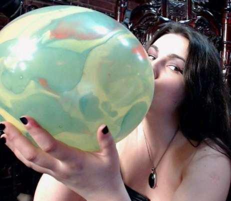 Ballloon fetish cams, Girls popping balloons