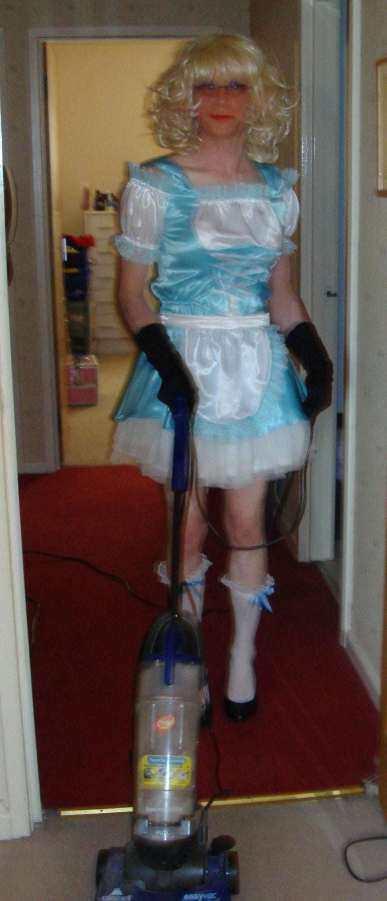 sissymaid, sissy cleaning,