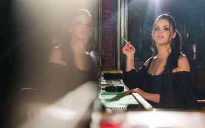 sexy girl smokes