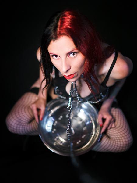 bdsm female cam slave
