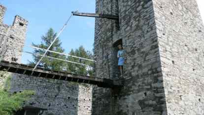 Varenna castle drawbridge