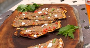 Turkey Flatbread slices