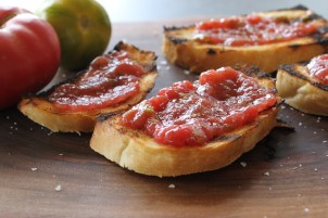 grilled tomato bread toast