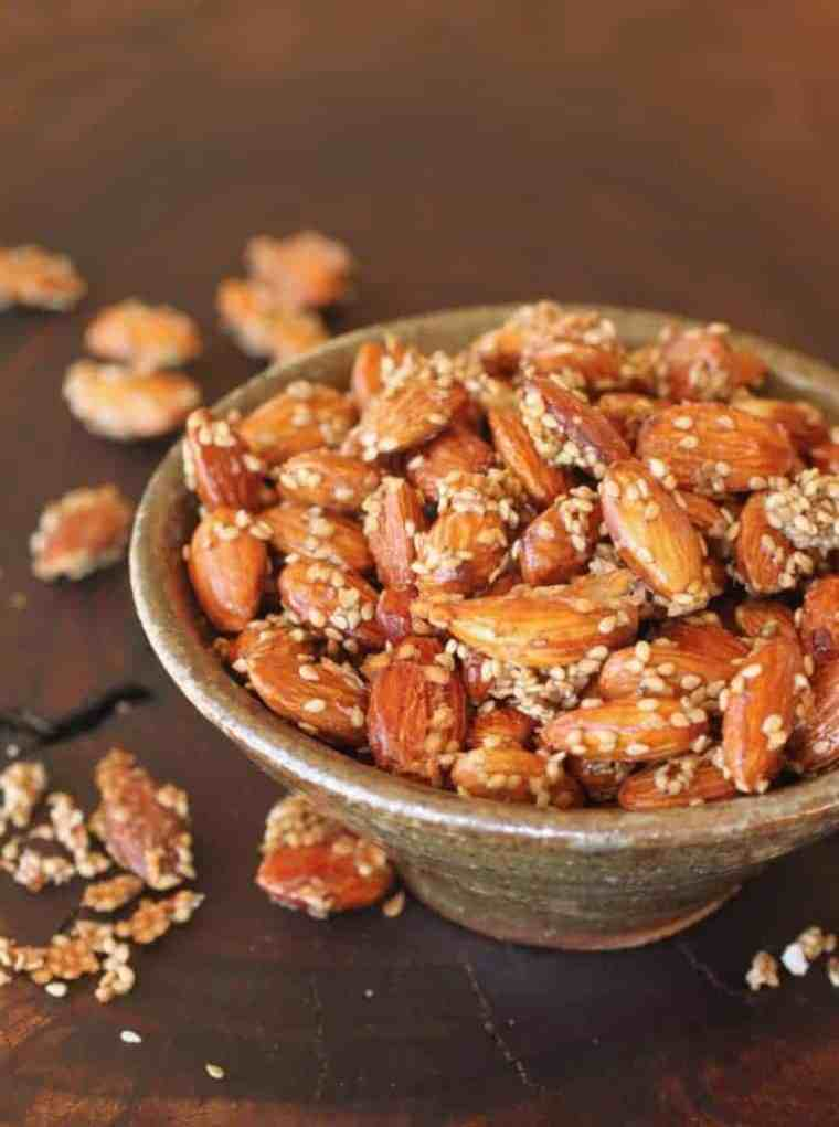 Salted Honey Sesame Almonds Recipe | Sweet and salty kinda sums me up. How about you? www.LiveBest.info