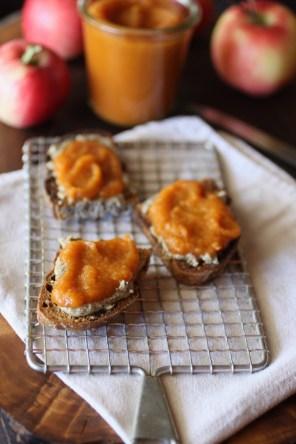 apply pumpkin butter toast