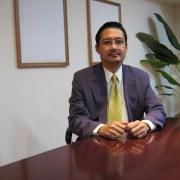 Associate Prof. Dr. Martin E.  Roberts
