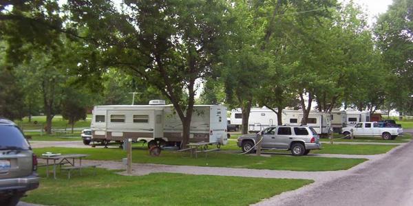 cedarlane rv park, 10 rv parks in ohio, picture of rvs sitting in the camping area at cedarlane rv park