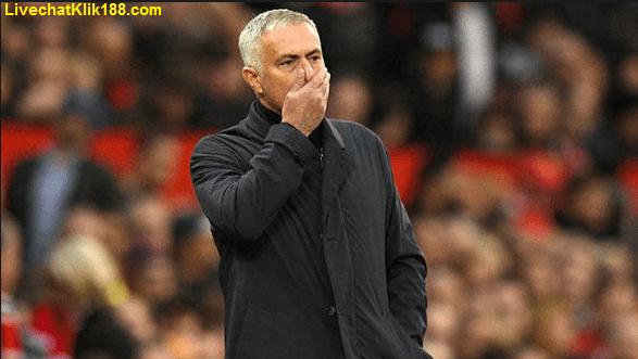 Mourinho Sedang Dikritik Ibrahimovic Hanya Iri