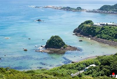 魚見塚展望台から八岡海水浴場