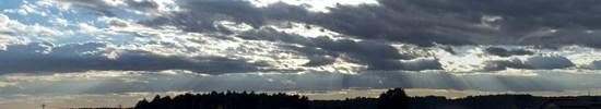 とある田園地帯の斜光の写真