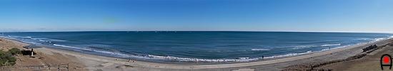 鹿島灘海浜公園展望デッキ付近からの太平洋