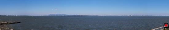 大須賀津湖畔農村公園から霞ヶ浦の眺めの写真
