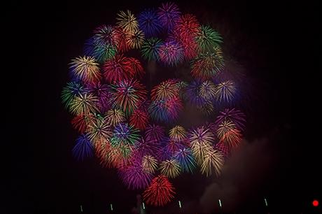 小さな花火がいっぱいの写真