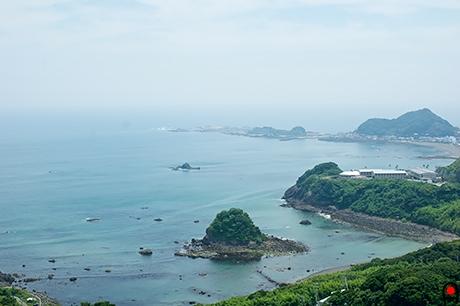 魚見塚展望台から鴨川松島方面の写真