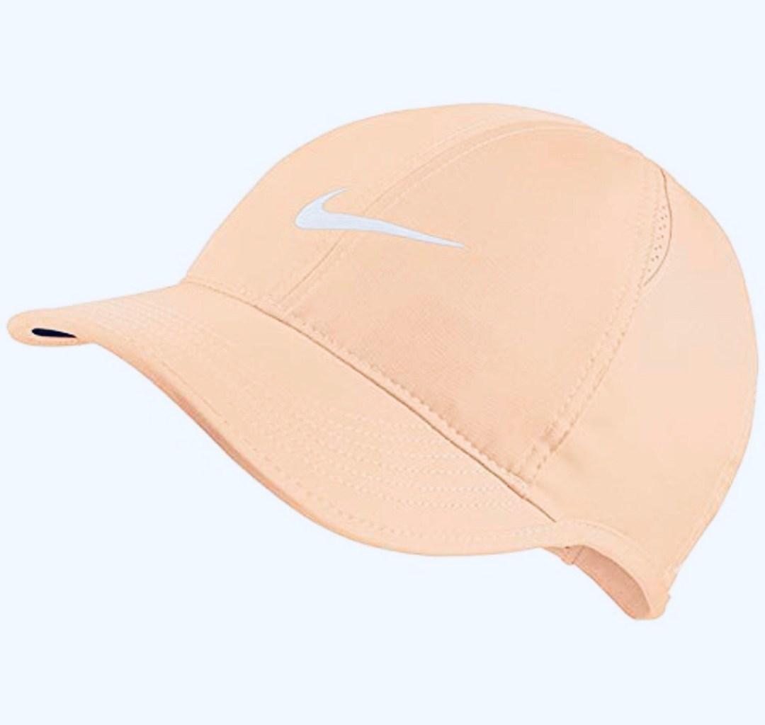 NIKE Women's AeroBill Featherlight Cap