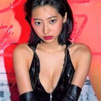 武田玲奈(20) 過激な黒ボンデージと白ガーター。