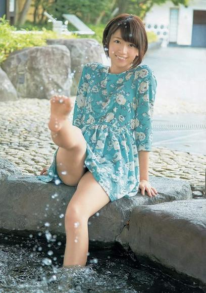 橋本奈々未の美脚画像022
