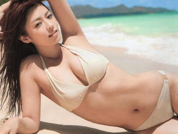 深田恭子のビキニ画像