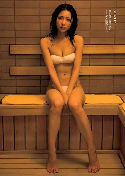 161218石川恋のふとももフェチ画像007