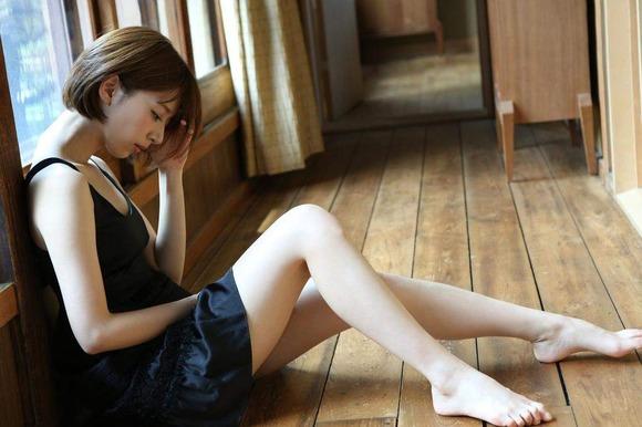 2016年8月28日追加 橋本奈々未の生脚画像012
