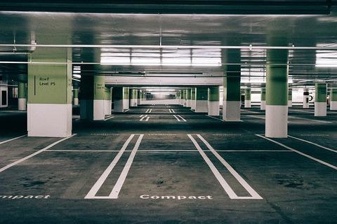 parking-732246_640