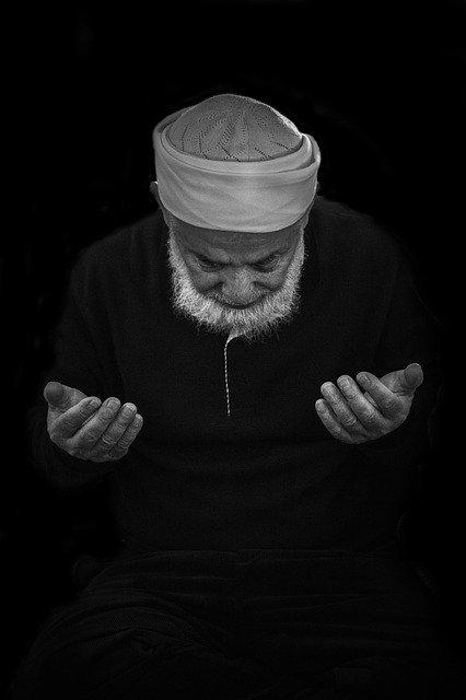 prayer-3669842_640