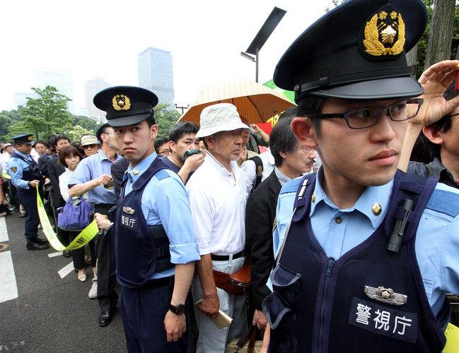 【悲報】超オラついてる警察官が島根で発見されるwwwwwww(畫像 ...