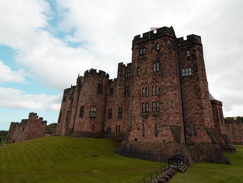 harry-potter-castle-2021380_640