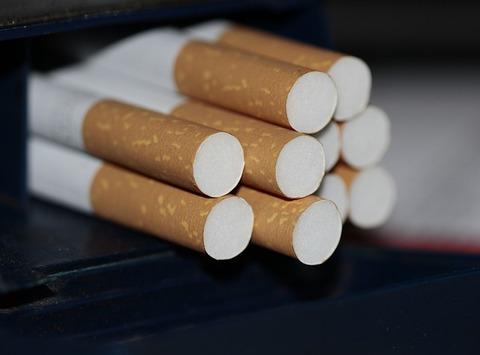 cigarettes-383327_640