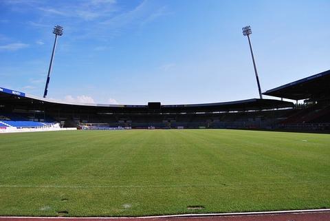 soccer-field-219812_640