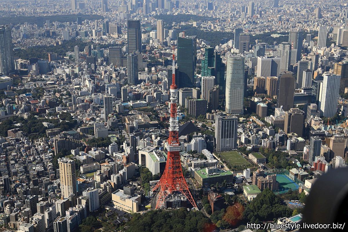 東京タワーをヘリを飛ばして真上から撮影!真上一周gifアニメ ...