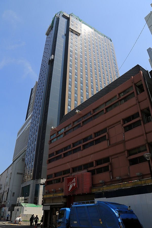 アパホテル新宿歌舞伎町タワー : 超高層マンション・超高層ビル