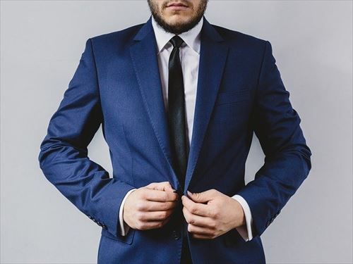 suit-2619784_640_R
