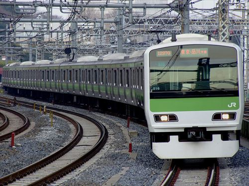 800px-JRE-E231-500-for-JRyamanote-line_R