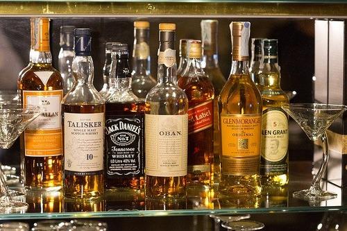bottles-1235327_640