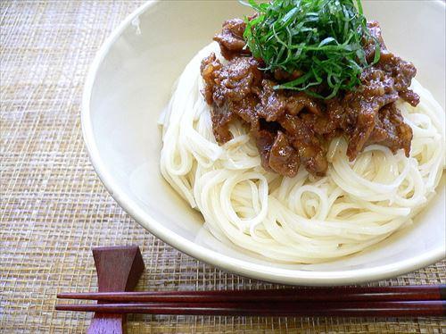 800px-Pork_miso_somen_by_yomi955_R