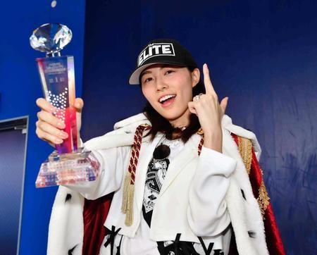 【SKE48】世界チャンピオンこと松井珠理奈さん、モバメでチャンピオン1年記念を自ら祝うwww
