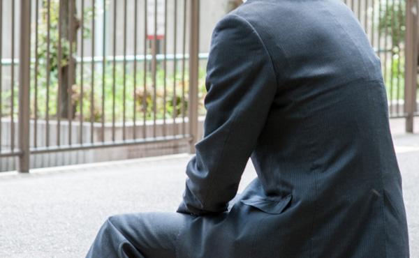 【悲報】法人営業マンワイ、ガチのマジで仕事が辛すぎて退職を決意してしまう!!!