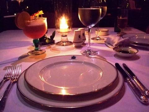 高級ホテルでのディナーマナー