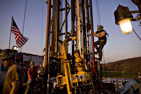 原油安でシェールガス関連企業が経営破たん