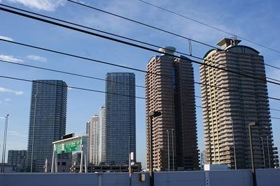 Towers_of_Toyosu_-_豊洲タワーマンション群_-_panoramio