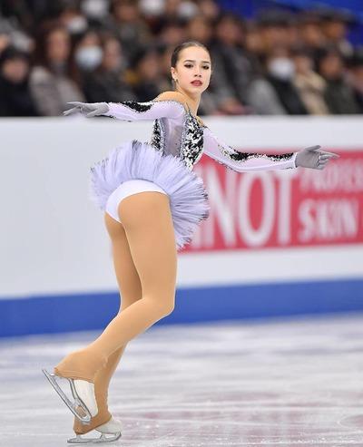 feb96d28 s - アリーナザギトワは可愛いフィギアスケート選手!プロフィールと年齢と身長は?