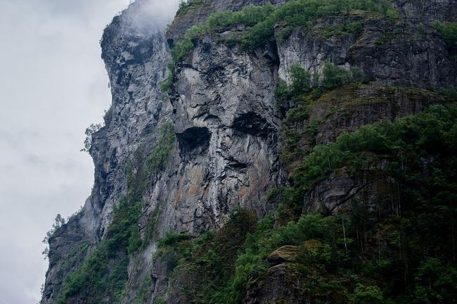 mountain-984506_960_720