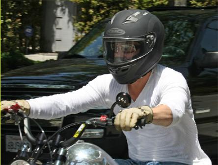 ブラッド・ピット-バイク-9