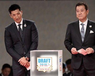 <ドラフト>巨人・原、阪神・矢野の両新監督が抽選「連敗」
