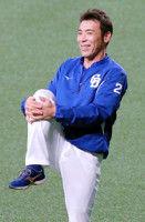 【中日】岩瀬&荒木、引退判明後初の練習「1000登板に集中」「ようやっとるよ!」