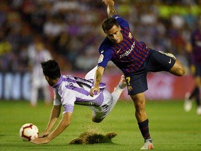めくれる芝生に大苦戦…VARに救われたバルセロナ、敵地白星で開幕2連勝