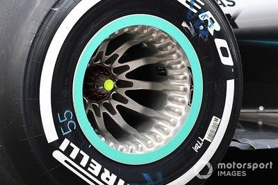 メルセデス、フェラーリからの抗議を避けるため、アメリカGPでホイール小変更。これが失速の原因?
